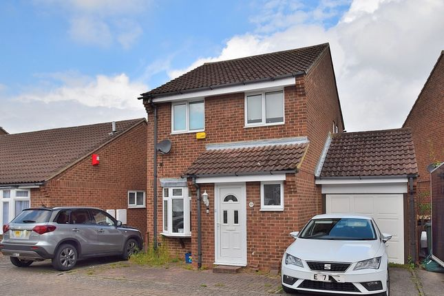 3 bed detached house for sale in Perracombe, Furzton MK4