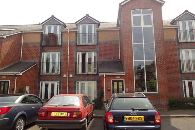 Thumbnail Flat to rent in Stanley Road, Worsley, Manchester