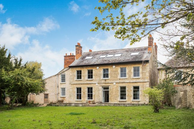 Thumbnail Property for sale in 4 Berrister Place, Raunds, Wellingborough, Northamptonshire