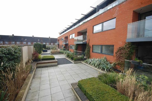Thumbnail Flat to rent in Westholme Gardens, Ruislip