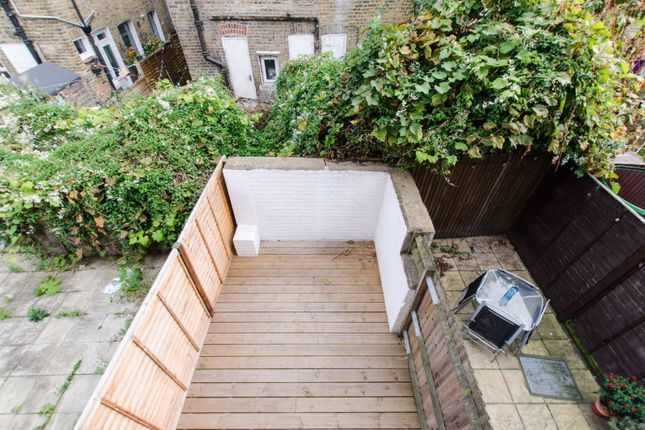 Thumbnail Flat to rent in Sellincourt Road, Tooting, London