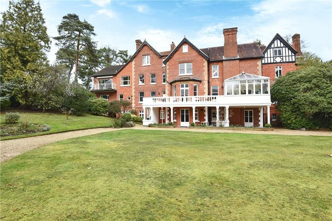 Thumbnail Maisonette for sale in Devenish Road, Ascot, Berkshire