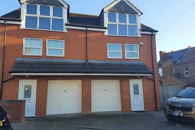 Thumbnail Town house to rent in Dane Crescent, Ramsgate