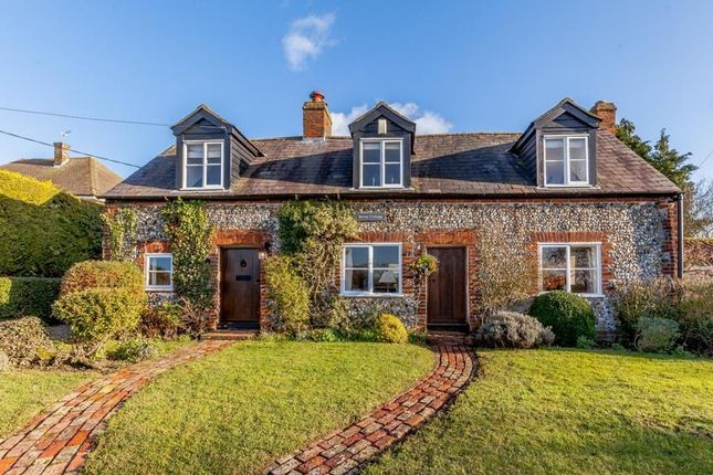 Thumbnail Cottage for sale in Little Laver Road, Matching Green, Harlow