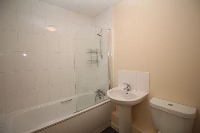 Bathroom of Matfield Close, Ashford TN23