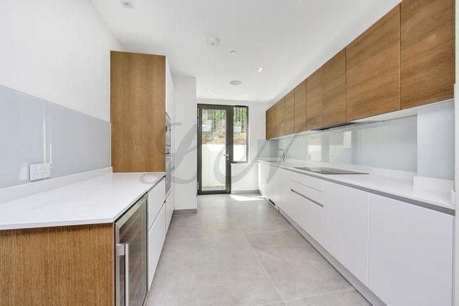 Thumbnail Mews house to rent in Highgate Road, Kentish Town