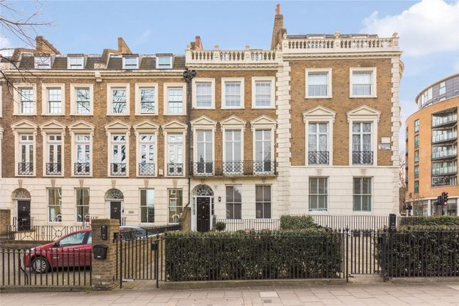 Thumbnail Flat for sale in City Road, Angel, London
