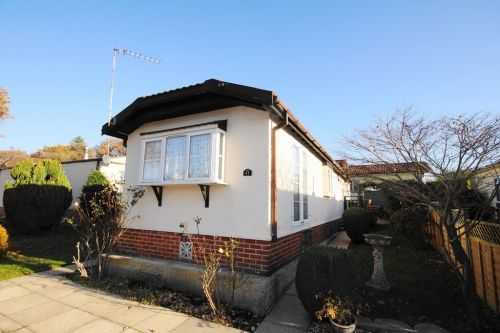 2 Bed Mobile Park Home For Sale In Barnes Road Bournemouth
