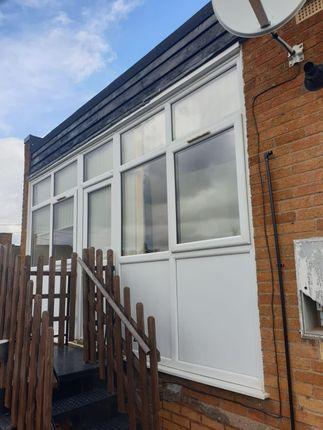 2 bed flat to rent in Tuppenhurst Lane, Handsacre, Rugeley WS15