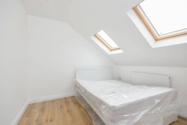 Thumbnail Property for sale in Munster Gardens, Palmers Green