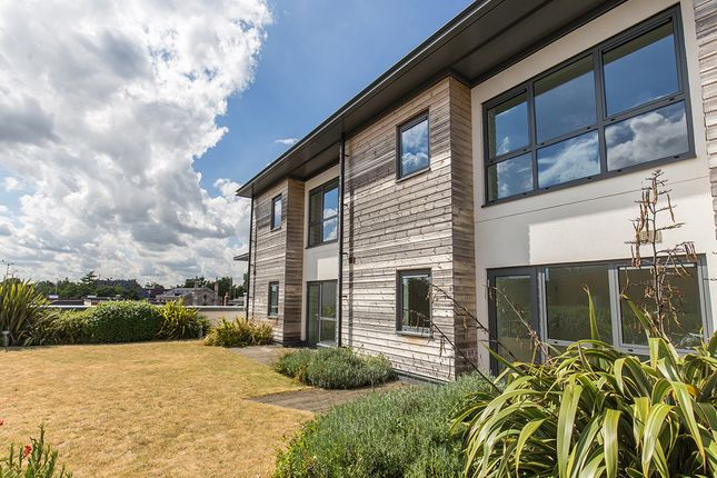 Thumbnail Flat for sale in Melville, Parkway, Newbury