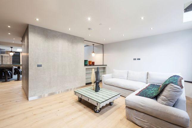 Thumbnail Flat to rent in Portobello Road, North Kensington, Kensington & Chelsea