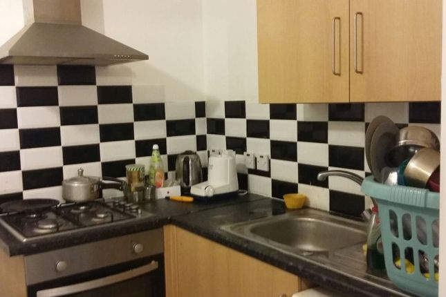 Thumbnail Flat to rent in Tennyson Road, Hounslow