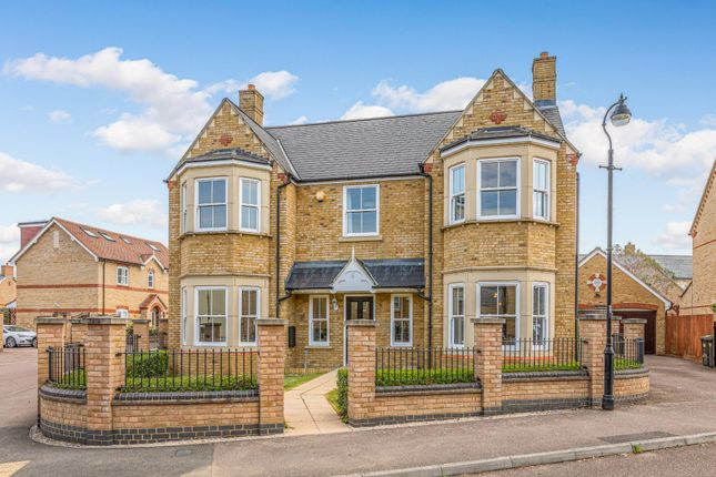 Thumbnail Detached house for sale in Heathcliff Avenue, Fairfield, Herts