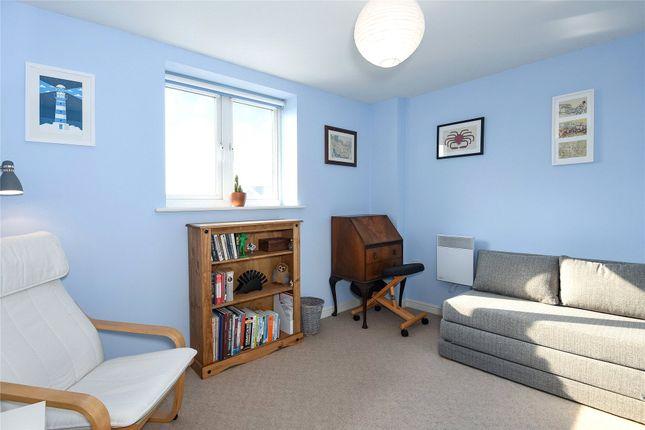 Bedroom of Branagh Court, Reading, Berkshire RG30