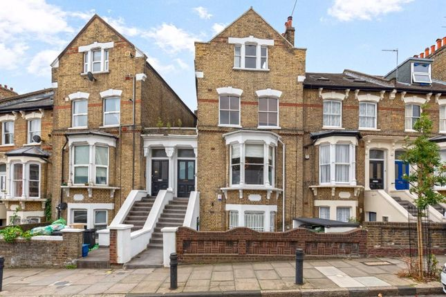 2 bed flat for sale in St. Mark's Rise, London E8