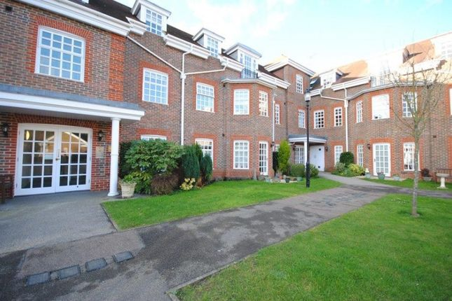 2 bed flat for sale in 12 Farmery Court, Castle Village, Berkhamsted, Hertfordshire