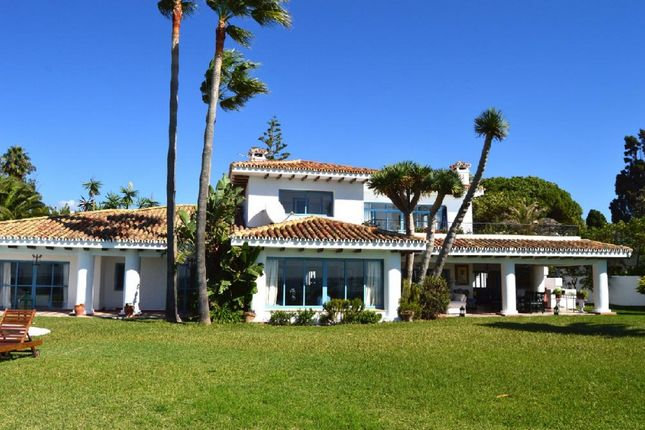 Thumbnail Villa for sale in Calle Dunas De Casasola, 29688 Estepona, Málaga, Spain