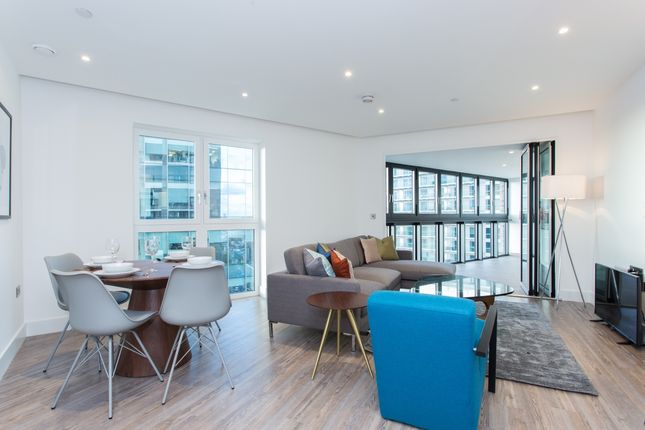 Thumbnail Flat to rent in Wiverton Tower, Aldgate Place, Aldgate