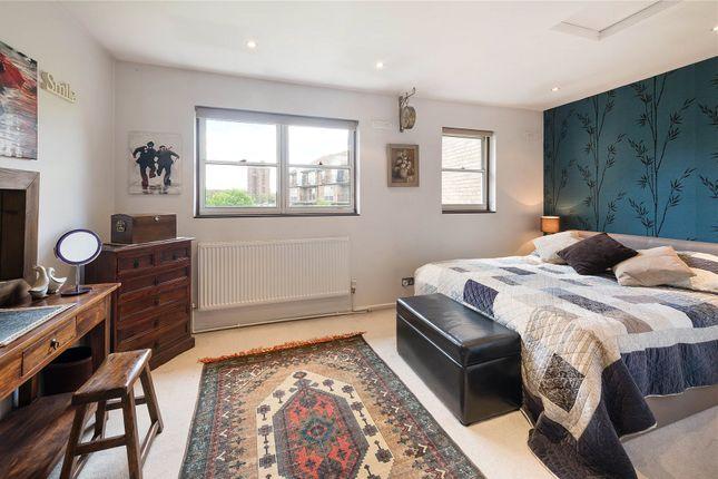 Bedroom of Whistlers Avenue, Battersea, London SW11