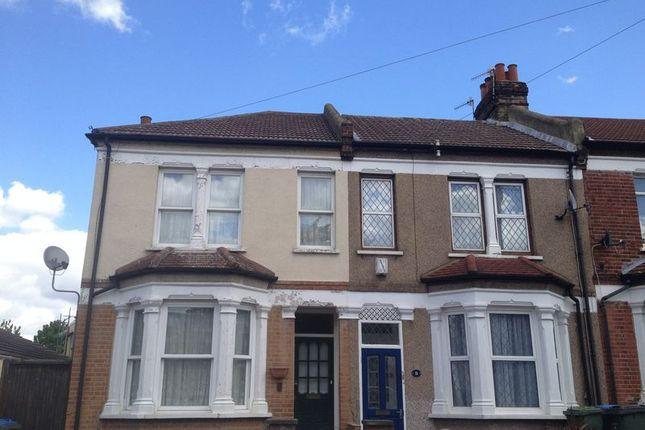 Thumbnail Room to rent in Myrtledene Road, London