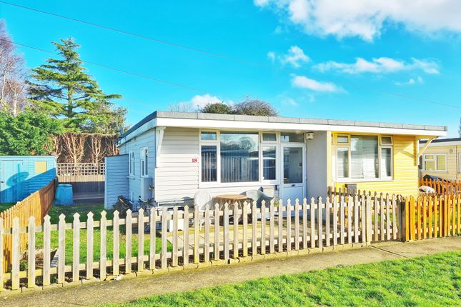Thumbnail Bungalow to rent in Low Road, Dovercourt, Harwich