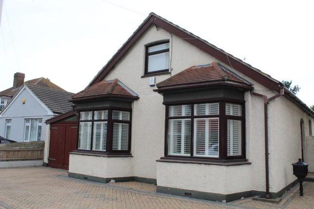 3 bed detached bungalow to rent in Cherry Tree Lane, Rainham, Essex RM13