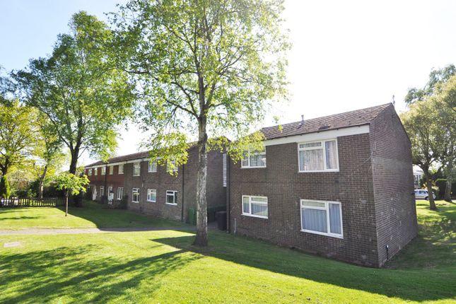 Thumbnail Maisonette to rent in Spenser Walk, Catshill, Worcestershire