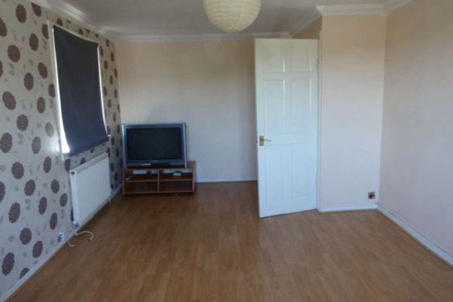Thumbnail Flat to rent in Craigpark Street, Clydebank