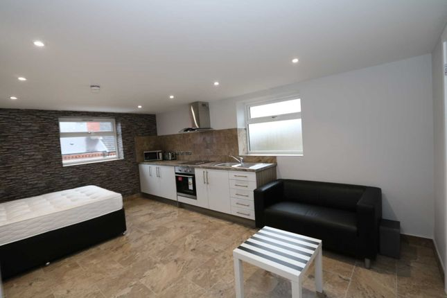 Thumbnail Flat to rent in Gulson Road, Coventry