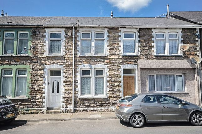 Thumbnail Flat to rent in Commercial Street, Pontypool