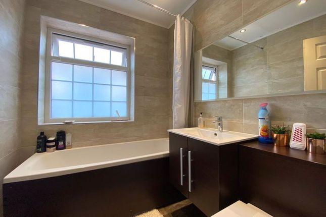 Bathroom 1 of Bacon Lane, Burnt Oak, Edgware HA8