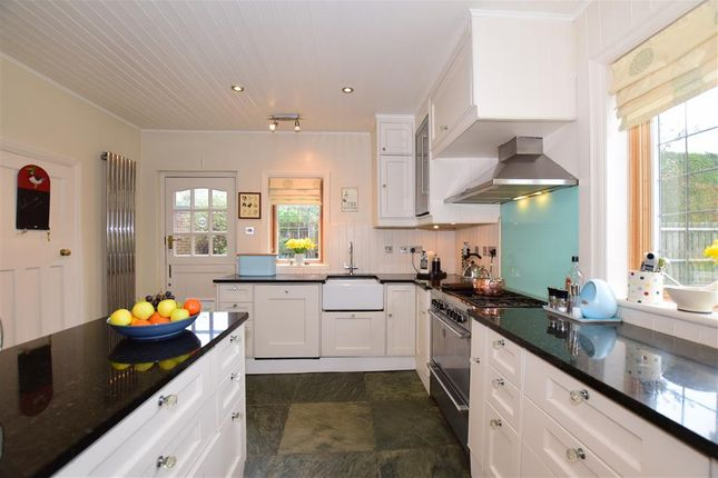 Thumbnail Detached house for sale in Red Hill, Wateringbury, Maidstone, Kent