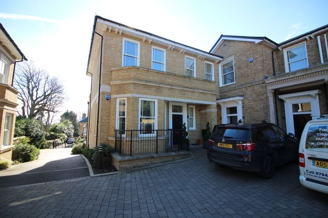 Thumbnail Maisonette to rent in Imperial Grove, Hadley Wood