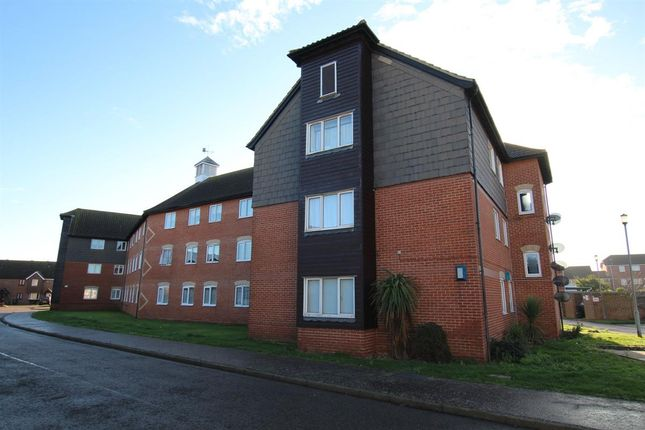 1 bed flat for sale in Shamrock House, Weymouth Close, Clacton-On-Sea CO15