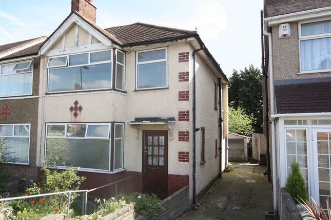 3 bed semi-detached house to rent in Summit Road, Northolt