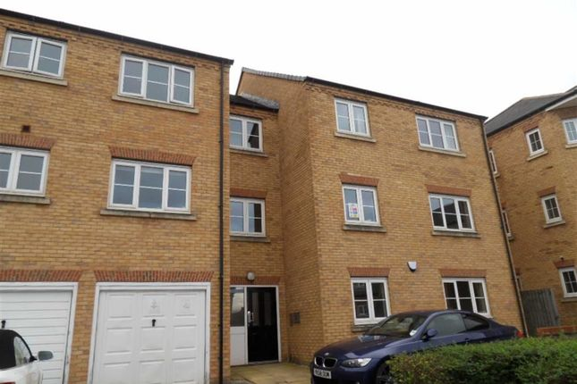 Thumbnail Flat to rent in Broadlands Court, Pudsey, West Yorkshire