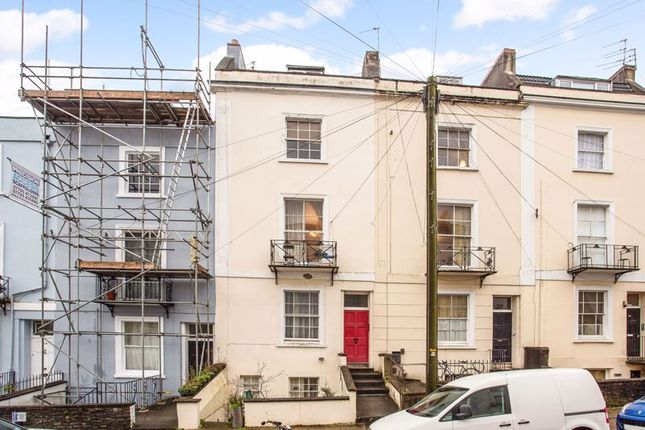 Thumbnail Flat to rent in Southleigh Road, Clifton