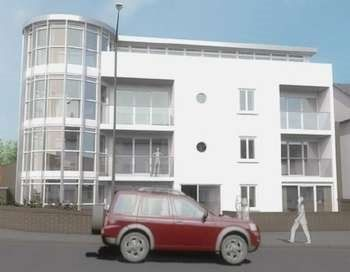 2 bed flat to rent in Warbro Road, Torquay