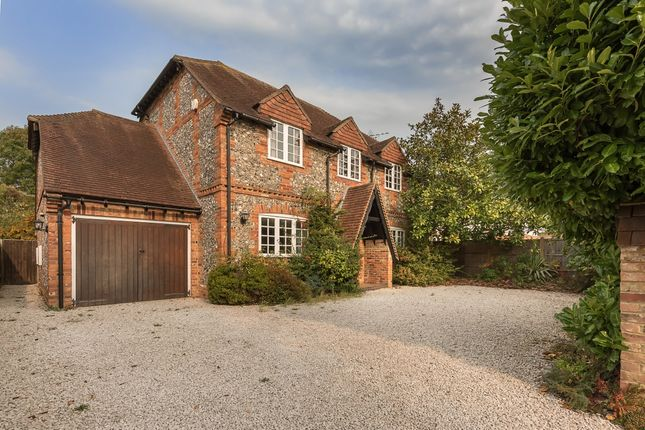 Thumbnail Detached house to rent in Rickmansworth Lane, Chalfont St. Peter, Gerrards Cross
