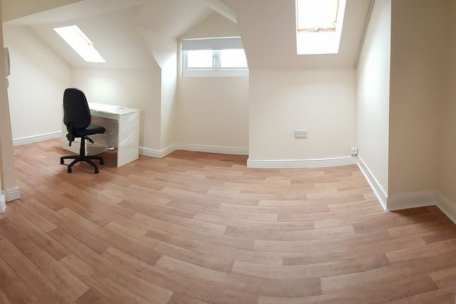 Thumbnail Property to rent in Hyde Road, Manchester