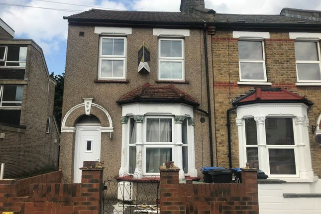 Thumbnail End terrace house to rent in Hendon Road, London