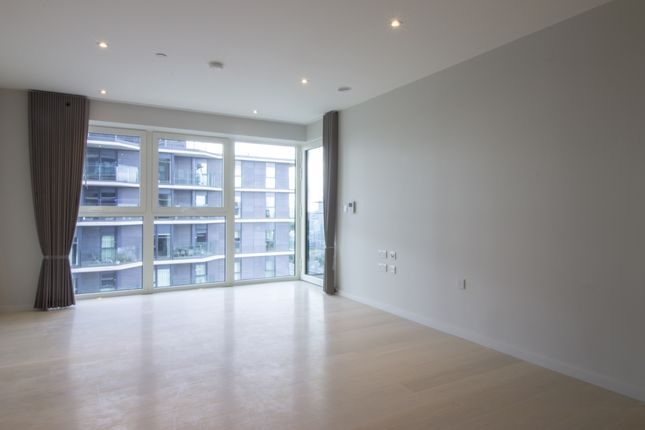 1 bed flat to rent in Cassia Point, Glasshouse Gardens, Stratford E20