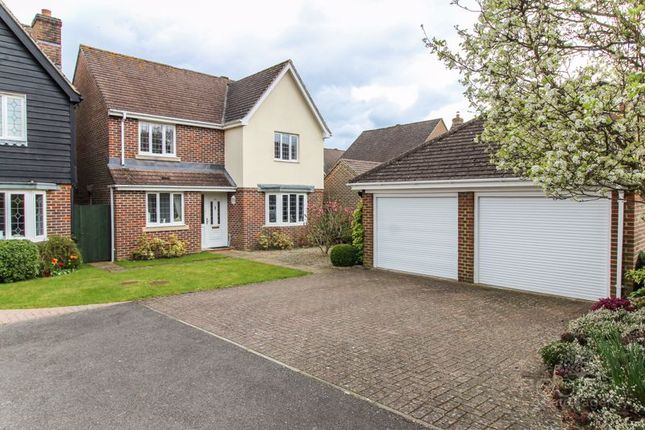 3 bed detached house for sale in Garrett Close, Kingsclere, Newbury RG20