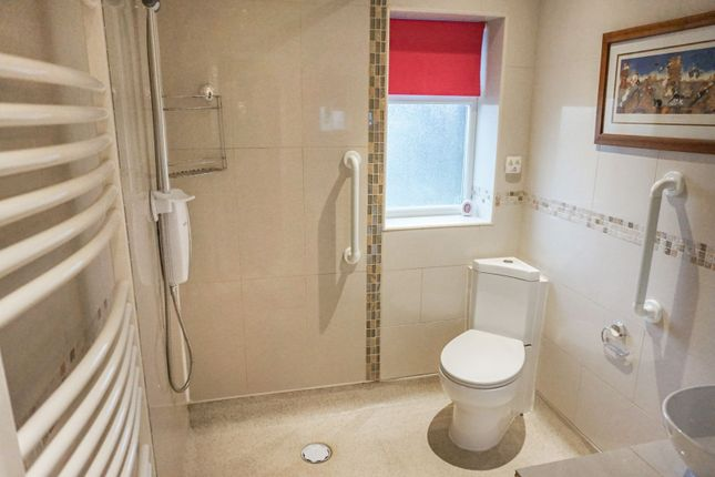 En-Suite of Plantation Hill, Worksop S81