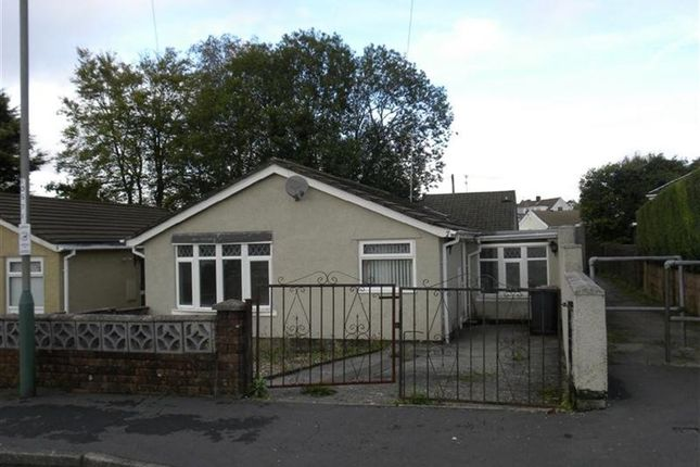 Thumbnail Bungalow to rent in Gardd Jolyon, Blackwood