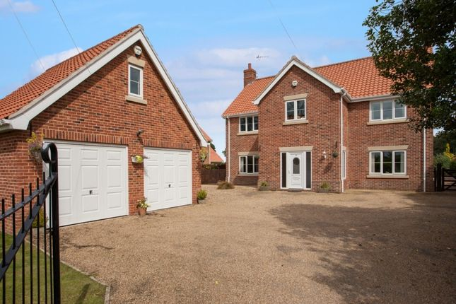 Thumbnail Detached house for sale in Reepham Road, Bawdeswell, Dereham