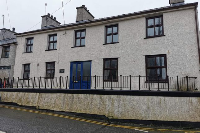 3 bed property to rent in Church Street, Bodedern, Holyhead LL65