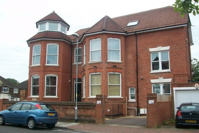 Thumbnail Flat to rent in Spencer Road, Southsea