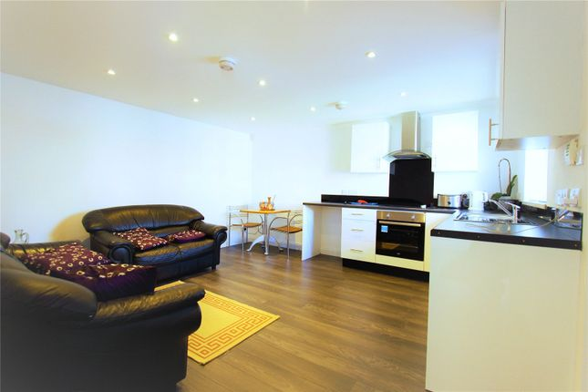 Thumbnail Flat to rent in Hadley Gardens, Southall, Greater London
